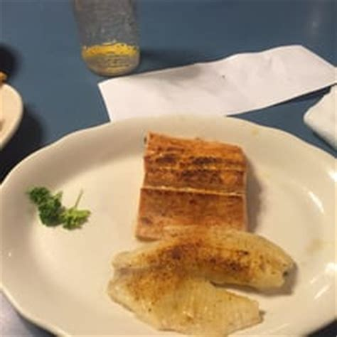 Mayflower Seafood Restaurant - 20 Reviews - Seafood - 2320