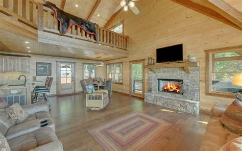 Blue Ridge Mountains Murphy Log Cabins/Homes for Sale